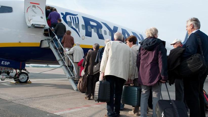 Nur eine kleine Tasche erlaubt: Schärfere Handgepäck-Regeln bei Ryanair