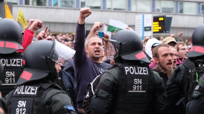 """Maaßen legt keine Belege vor: Verfassungsschutz-Chef bezweifelt """"Hetzjagden"""" in Chemnitz"""