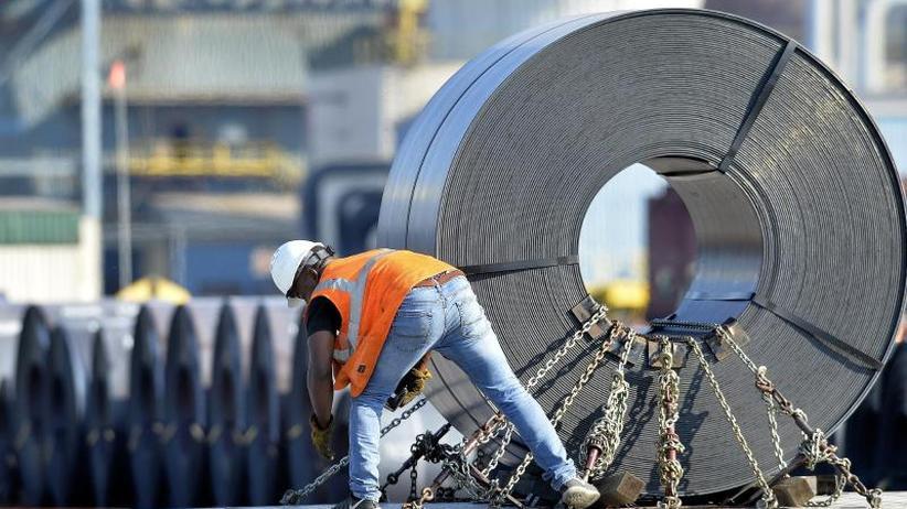Hoch riskante Entwicklung: US-Strafzölle belasten Weltwirtschaft auf Jahre