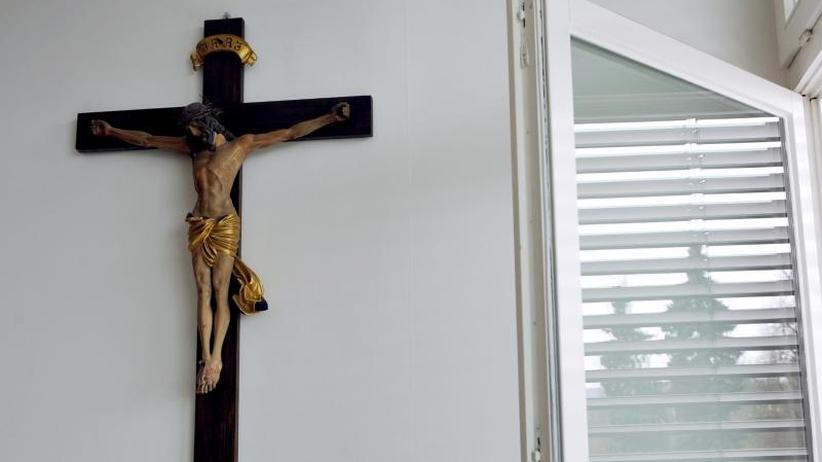 1670 Kleriker als Täter: Katholische Kirche dokumentiert 3677 Missbrauchsfälle