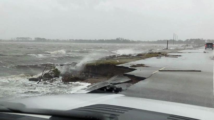 """400.000 Menschen ohne Strom: Hurrikan """"Florence"""" trifft die US-Küste mit enormer Wucht"""