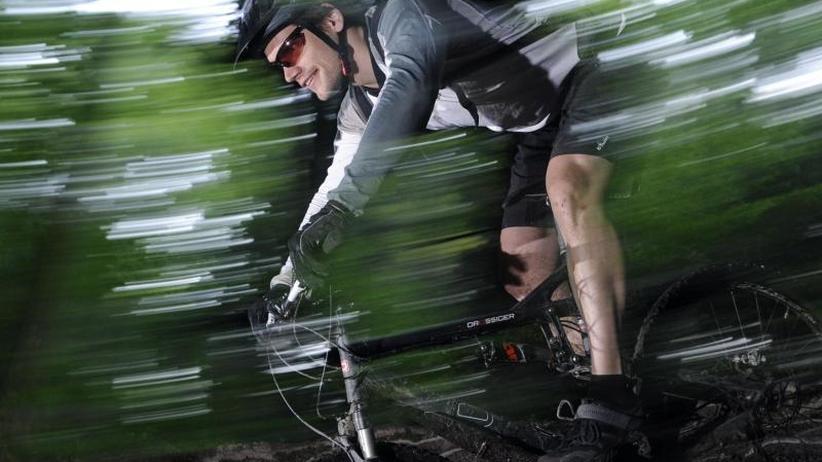 Streit in den Bergen: DAV will Konflikte zwischen Wanderern und Bikern entschärfen