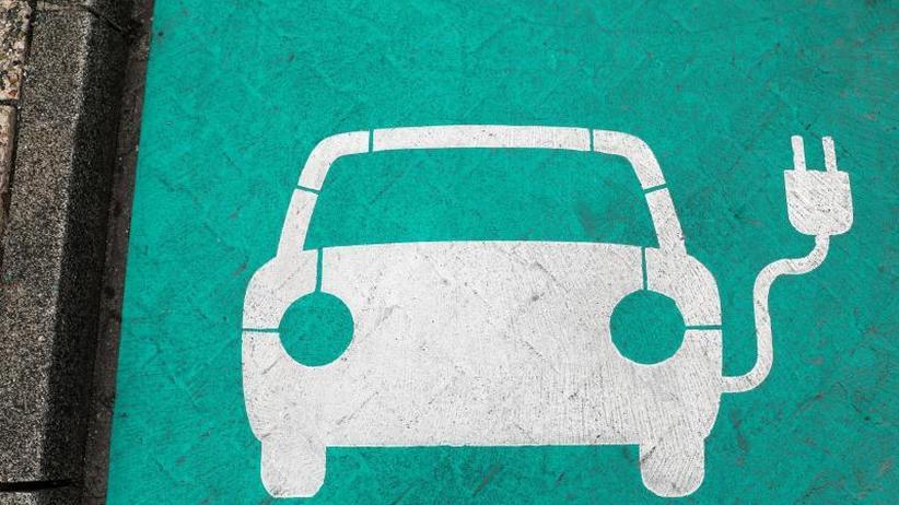 Voraussichtlich erst 2022: Eine Million E-Autos: Regierungsberater schieben Ziel