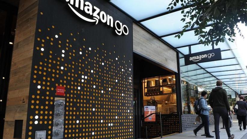 Konkurrenz für 7-Eleven & Co.: Bericht: Amazon plant 3000 Läden ohne Kassen bis 2021