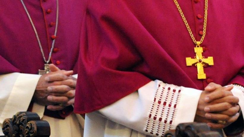 Deutsche Bischöfe unter Druck: Missbrauch in der Kirche: Das zähe Ringen um Konsequenzen
