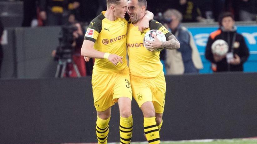 BVB dreht Spiel: 4:2 nach 0:2:Dortmund mit Kraftakt an die Tabellenspitze