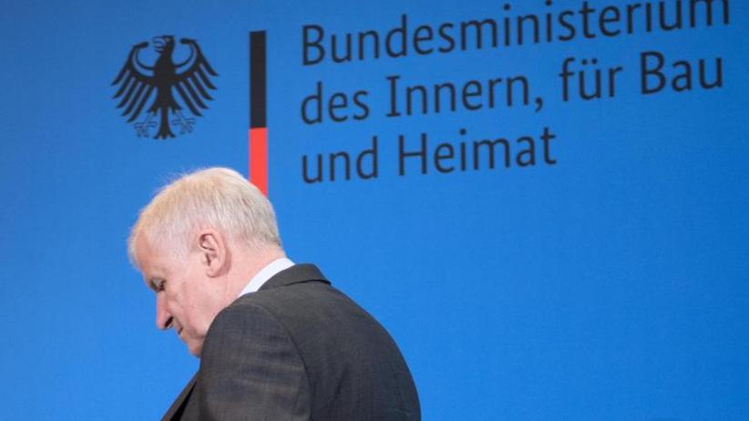 Politiker-Ranking: Beliebtheitsumfrage: Seehofer stürzt ab
