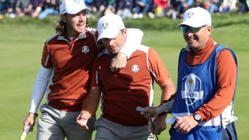 Teamwettbewerb: Europas Golfer haben Ryder-Cup-Sieg vor Augen - Woods sauer