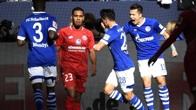 Bundesliga: Schalke und Stuttgart schaffen ersten Siege