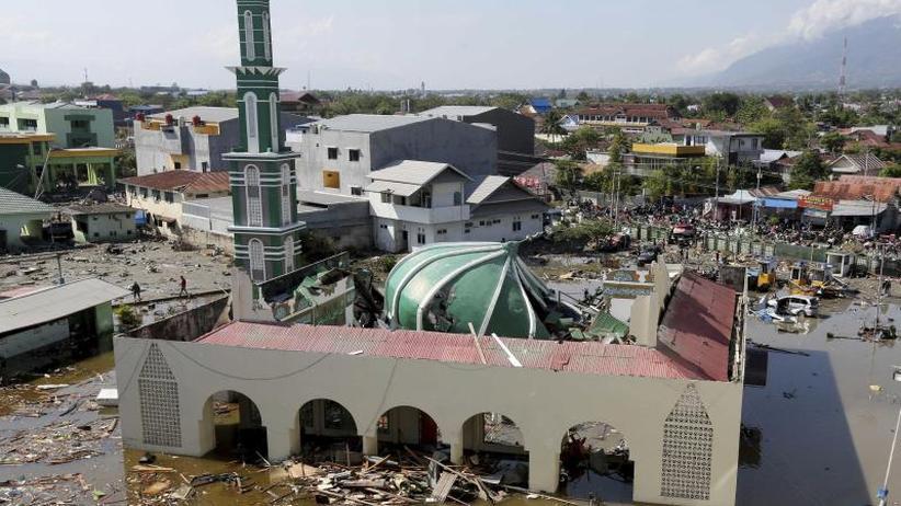 Nach Tsunami-Katastrophe: Internationale Hilfe für Indonesien - Mindestens 844 Tote