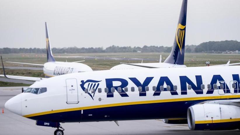 Buchungen gehen zurück: Nach Streiks: Ryanair senkt Gewinnziel
