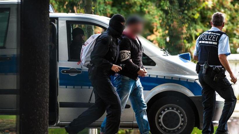 Anschlag am 3. Oktober geplant: Terrorverdacht: Rechtsextreme aus Chemnitzer Szene in Haft