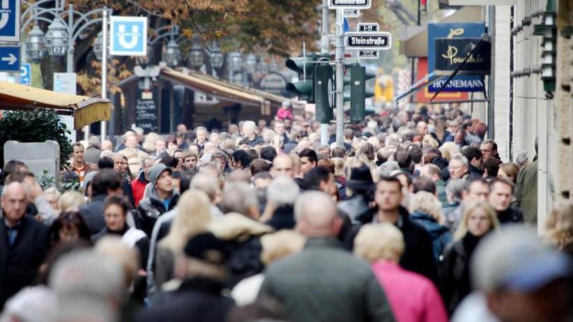 Entlastungen für dieBürger: Steuereinnahmen sprudeln weiter:Ruf nach großer Reform