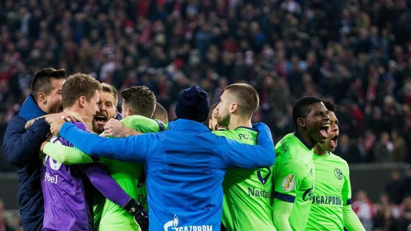 DFB-Pokal 2. Runde: Elfmeter-Krimis, späte Tore und eine Überraschung