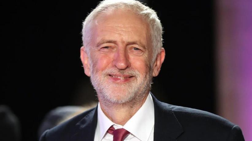 """Vergleiche mit """"Krebsgeschwür"""": Ermittlungen gegen Labour-Mitglieder wegen Antisemitismus"""