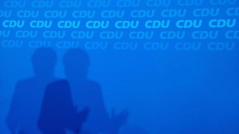 SPD ringt um Zukunftskonzept: Kampf um Merkel-Nachfolge läuft