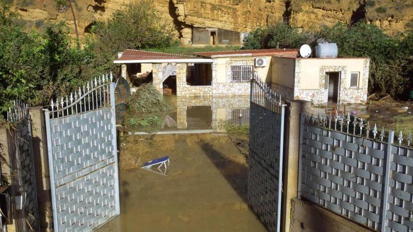 Ansteigende Wasserpegel: Überschwemmungen auf Sizilien: Immer mehr Todesopfer