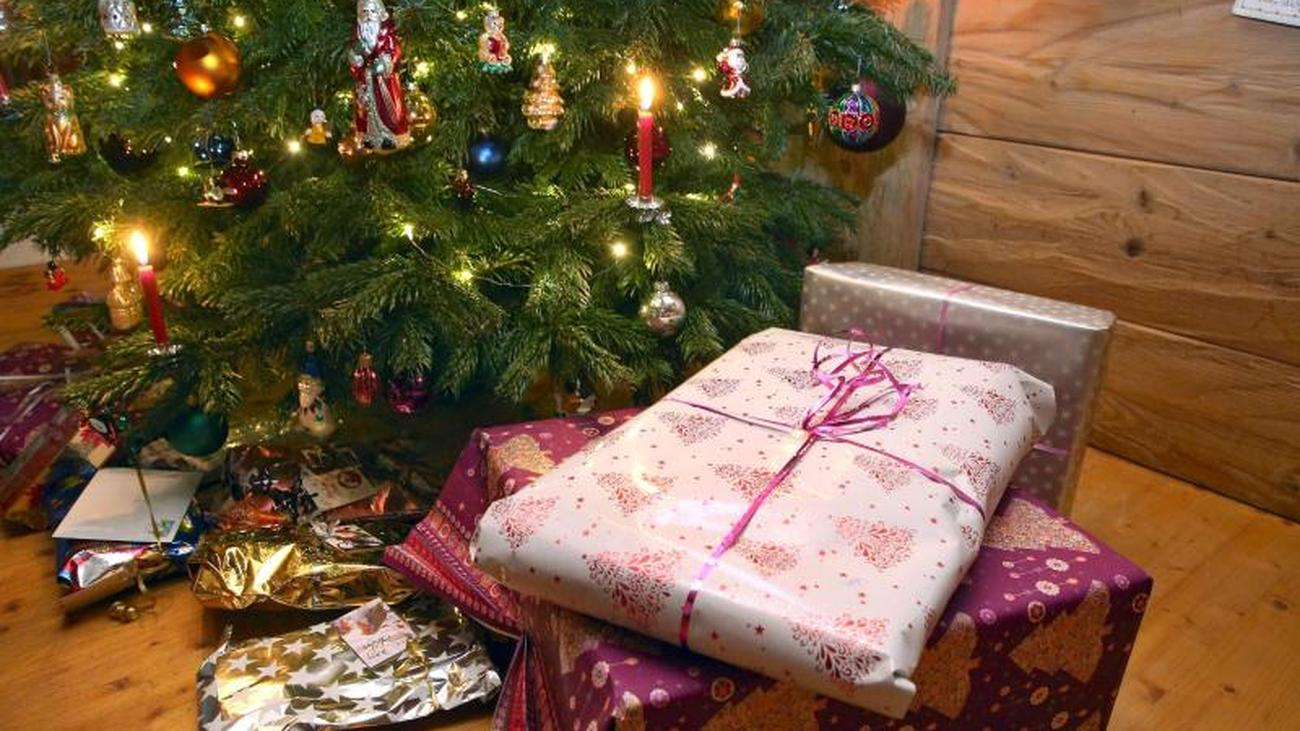 Instead of shopping: Germans buy Christmas gifts more and more often ...