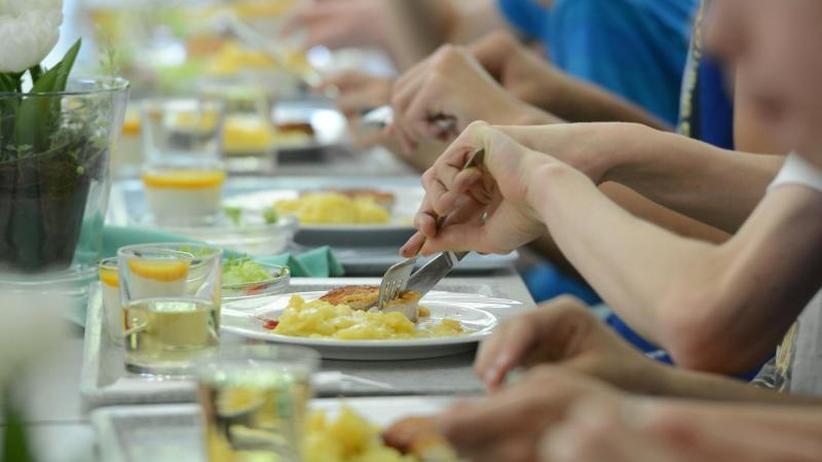 Gesund und günstig?: Klöckner stellt Studie zum Schulessen vor