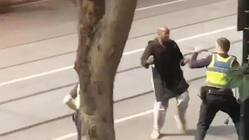 Messerattacke in Innenstadt: Zwei Tote bei mutmaßlichen Terrorangriff in Melbourne