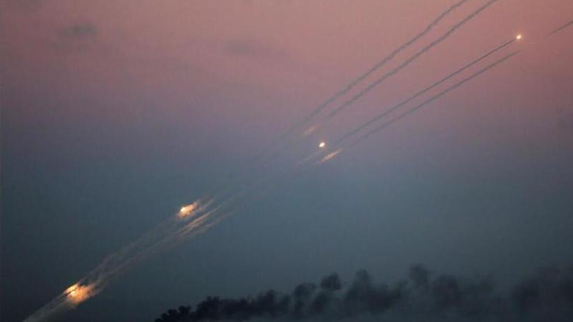 Tote bei Eskalation in Nahost: Raketenbeschuss auf Israel, Luftangriffe in Gaza