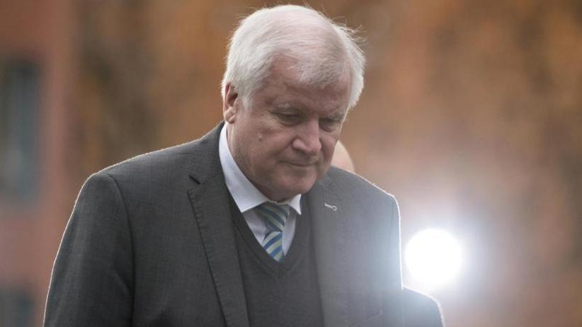 Vorsitz der Christsozialen: CSU wartet auf Seehofers Abschiedspläne