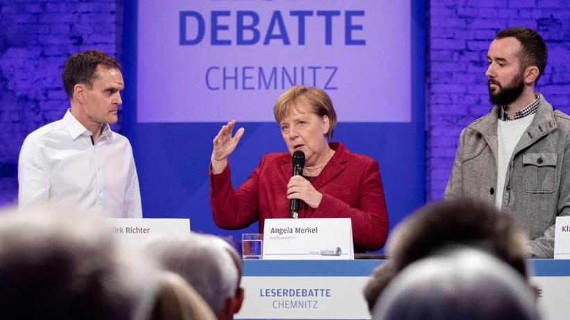 Diskussion in Chemnitz: Merkel ruft zu Abgrenzung gegen Rechtsradikale bei Demos auf