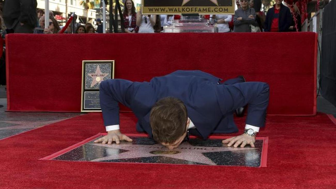 walk of fame: michael bublé honored with hollywood star