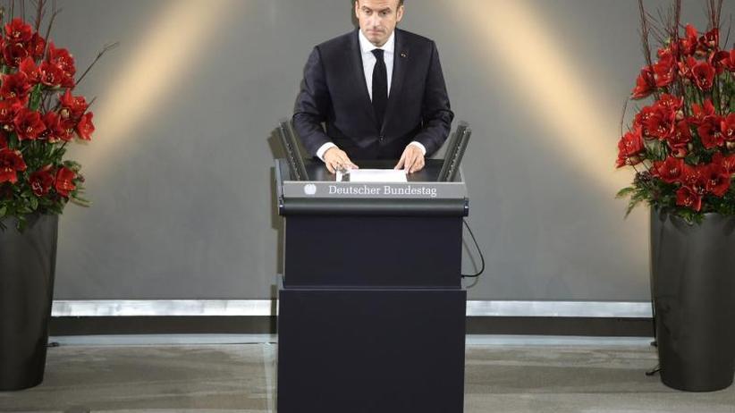 Besuch zum Volkstrauertag: Macron: Müssen neues Kapitel für Europa aufschlagen