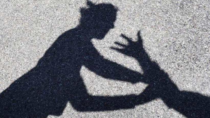 Amnesty-Studie veröffentlicht: Frauen fordern mehr Hilfe für Gewaltopfer
