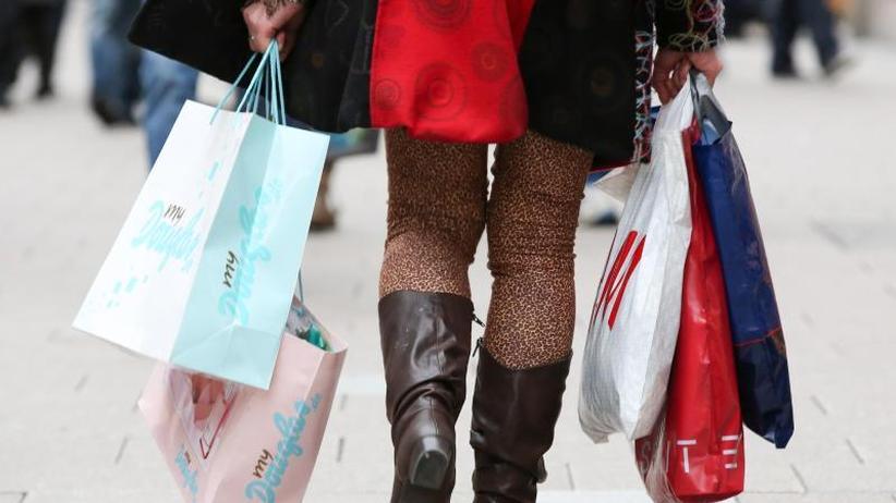 Teure Energie: Inflation und Handelskonflikte dämpfen Verbraucherstimmung
