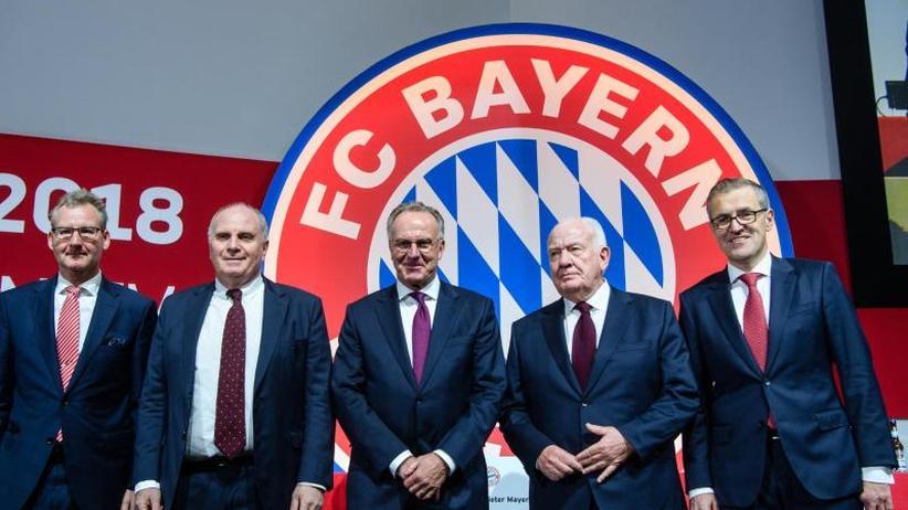 Jahreshauptversammlung: Bayern-Präsident Hoeneß wirbt um Kahn - Zuspruch für Kovac
