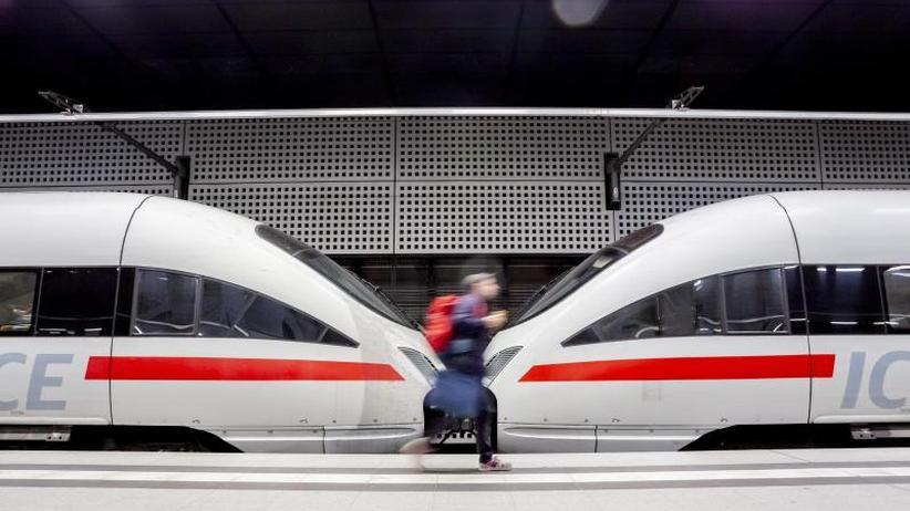 Staatskonzern in der Krise: Bahn im Verspätungstief: Kunden wollen früher Entschädigung