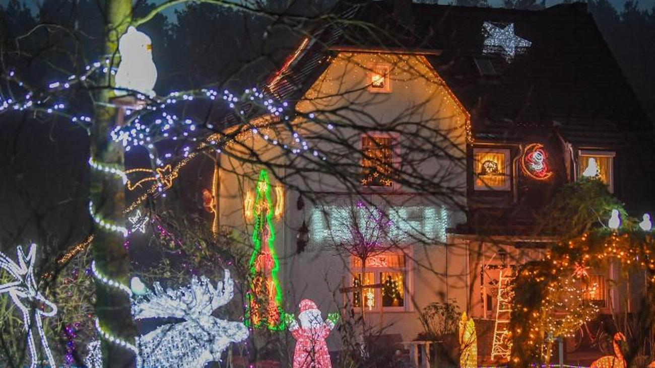 Expensive lights: Christmas houses radiate for Advent