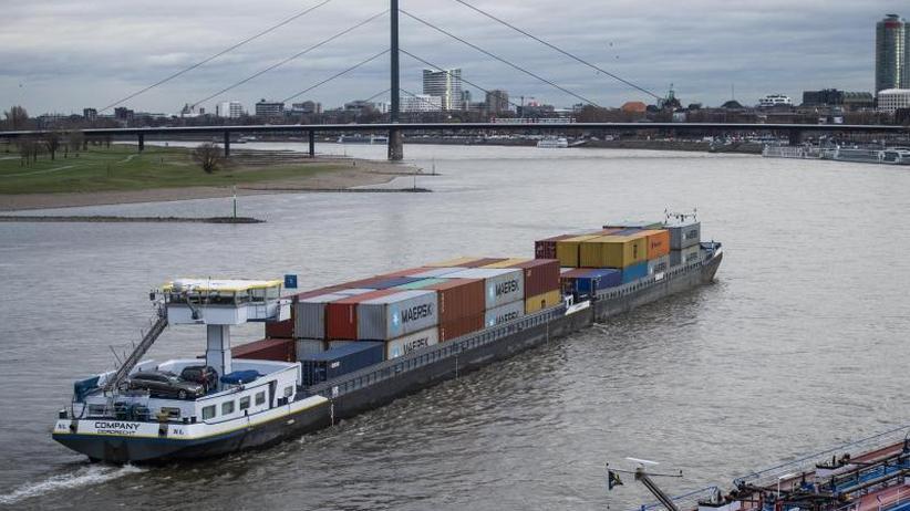 """Engpässe im Wasserstraßen-Netz: Binnenschiffer brauchen """"mehr Wasser unter dem Kiel"""""""
