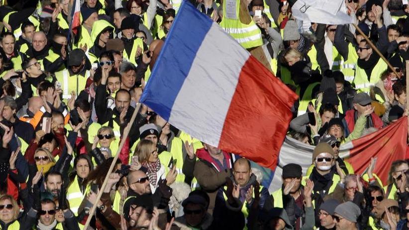 """Frankreich: """"Gelbwesten""""-Protest: Keine Krawalle, aber neue Forderungen"""