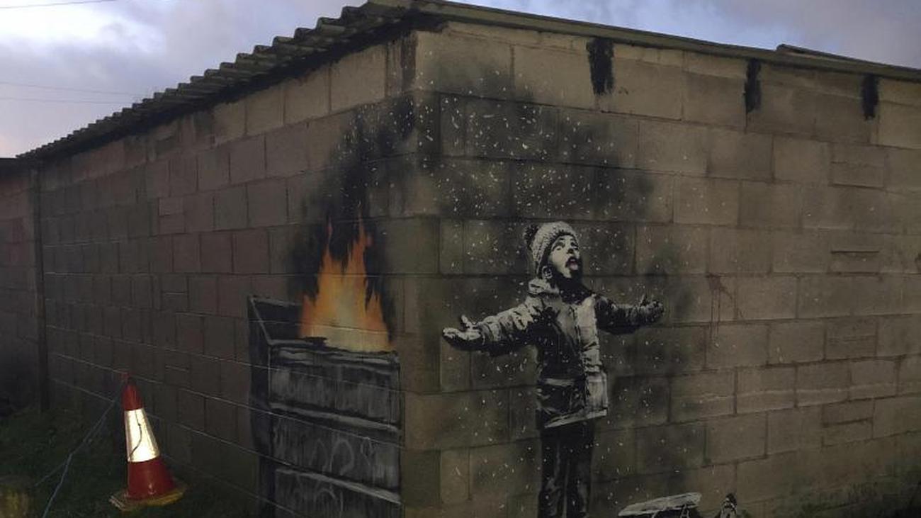 Christmas Graffiti Background.Streat Art Banksy Christmas Greetings New Graffiti In