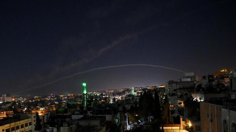 Angriff auf Waffenlager: Syrische Luftabwehr meldet Abschuss israelischer Raketen