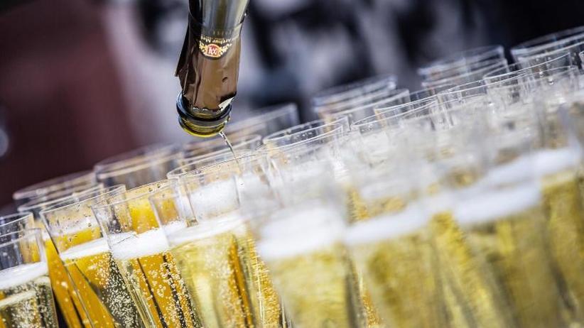 Vier Flaschen pro Kopf: Deutsche kaufen Sekt und Champagner für über eine Milliarde