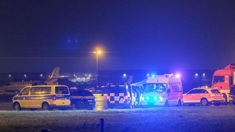 Unter Drogeneinfluss: Mann rast auf Flughafengelände: Airport Hannover steht still