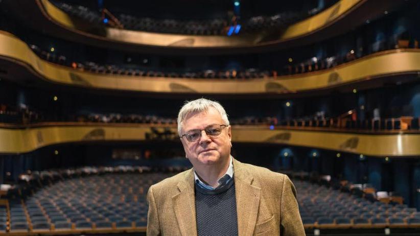 Viel gemeinsam außer den Gagen: Opern-Intendant Bernd Loebe als Fußball-Fan