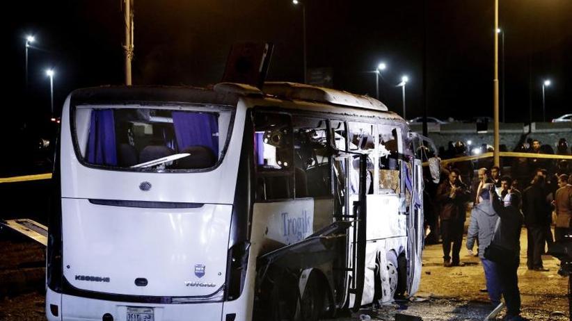 Suche nach den Tätern: Tote und Verletzte bei Anschlag auf Touristenbus in Ägypten
