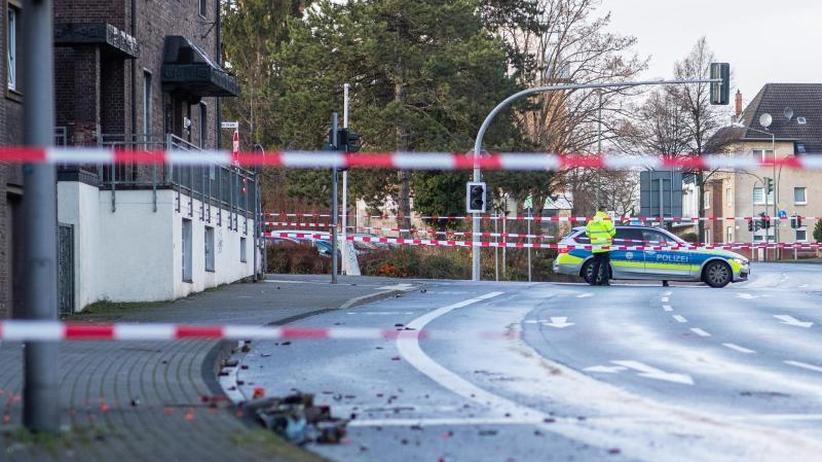 Zahl der Verletzten gestiegen: Mann fährt aus Fremdenhass in Menschengruppen