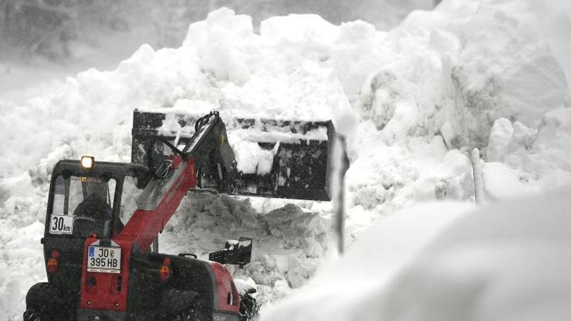 Höchste Lawinenwarnstufe: Schnee ohne Ende: 350 Menschen sitzen bei Berchtesgaden fest