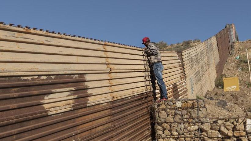 """""""Shutdown"""" geht weiter: Trump wirbt mit Krisenszenario für Mauerbau"""