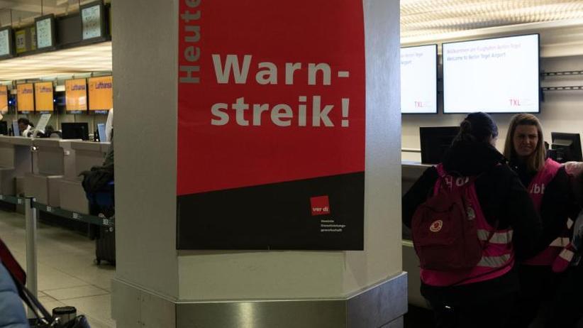Sicherheitsbeschäftigte: Warnstreiks:Fluggäste müssen erneut mit Ausfällen rechnen