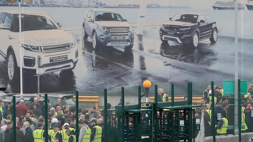 Nach Brexit-Warnung: Jaguar Land Rover streicht 4500 Stellen