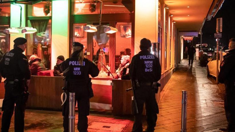 1300 Polizisten im Einsatz: Kampf gegen Clankriminalität: Razzia im Ruhrgebiet