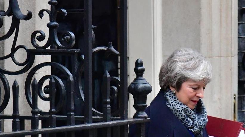 May lehnt Neuwahl ab: EU fordert schnelle Brexit-Ansagen von London