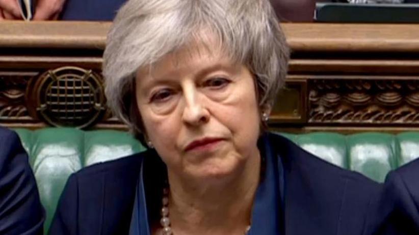 Historische Niederlage: May muss sich nach Brexit-Klatsche Misstrauensvotum stellen